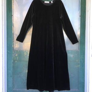 Amanda Smith Empire Waist Black Velvet Dress